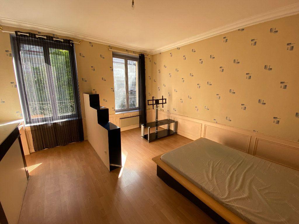 Appartement à louer 2 40m2 à Nancy vignette-2