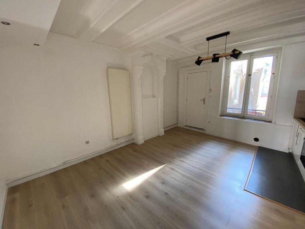Appartement à louer 2 50m2 à Nancy vignette-2