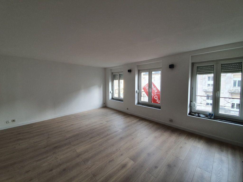 Appartement à louer 4 87m2 à Nancy vignette-1