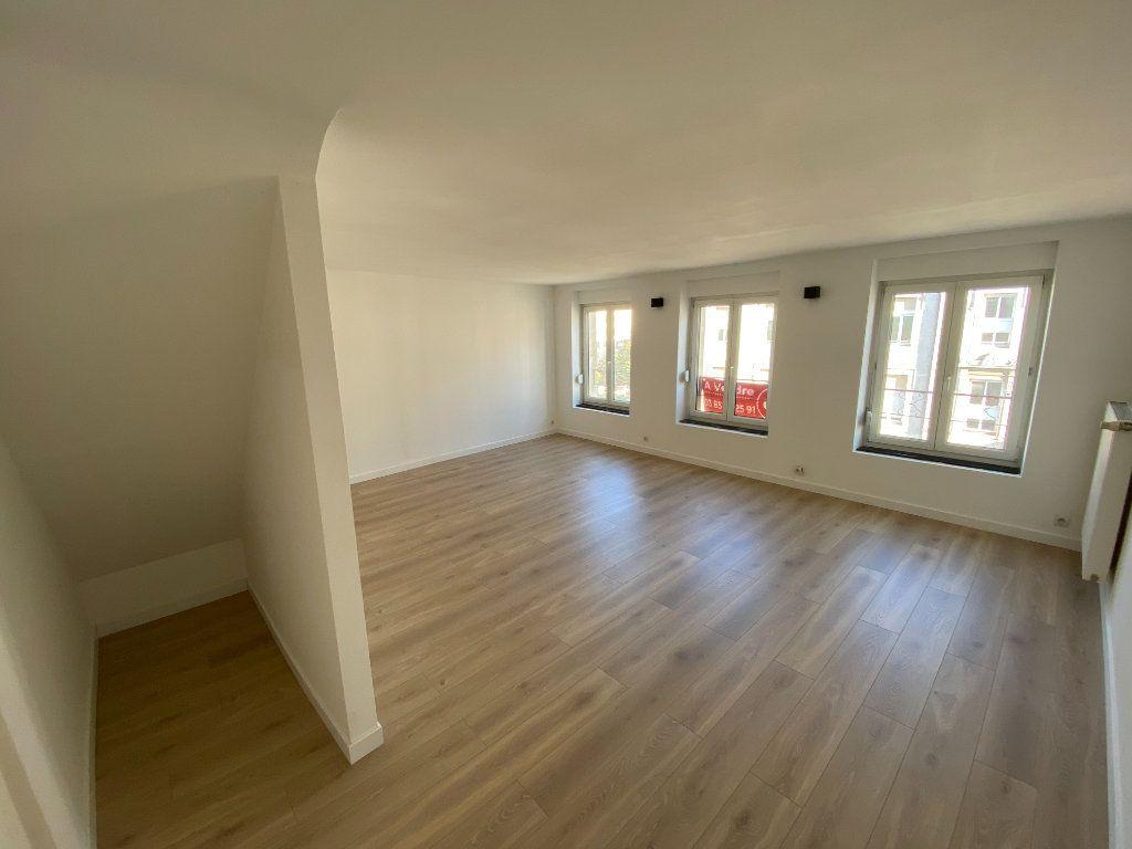 Appartement à louer 4 87m2 à Nancy vignette-3