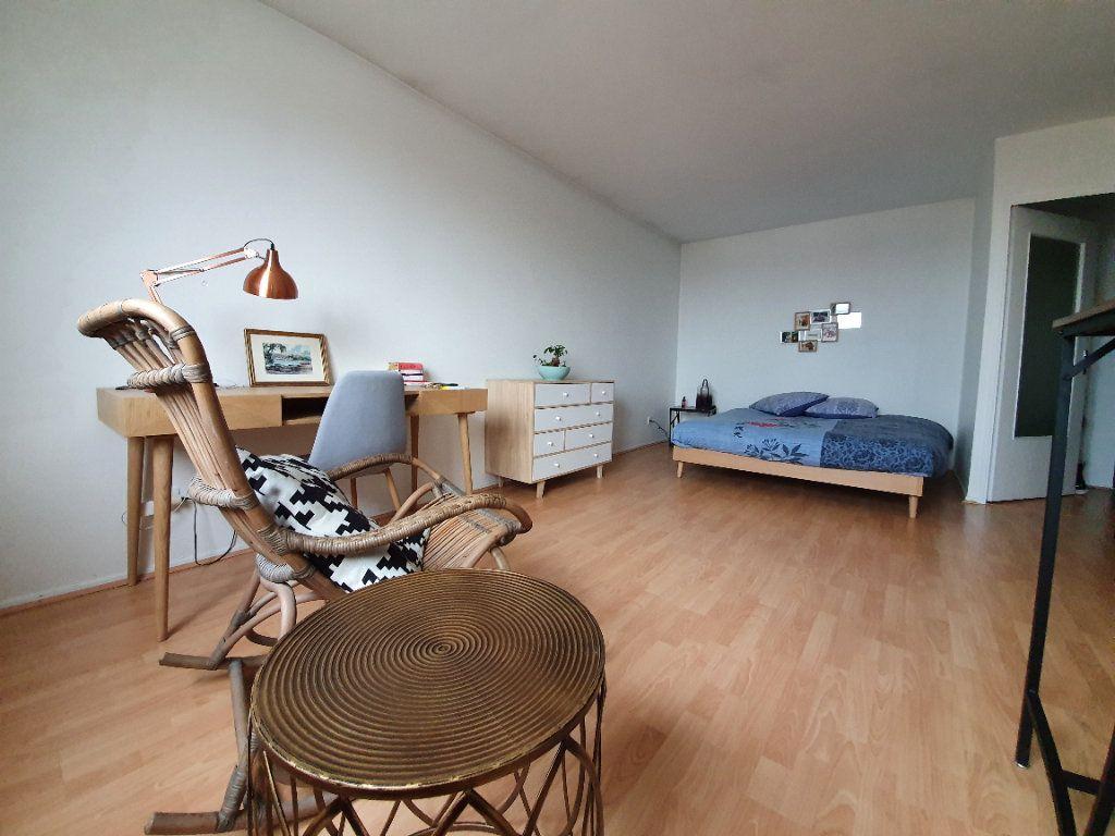 Appartement à louer 1 32m2 à Laxou vignette-4