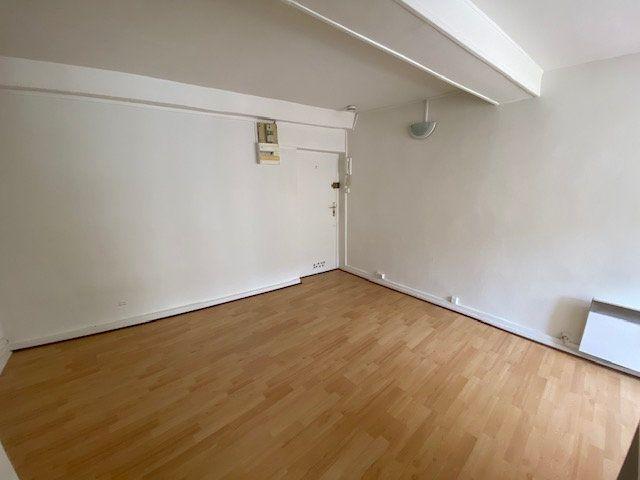 Appartement à louer 1 19m2 à Nancy vignette-2