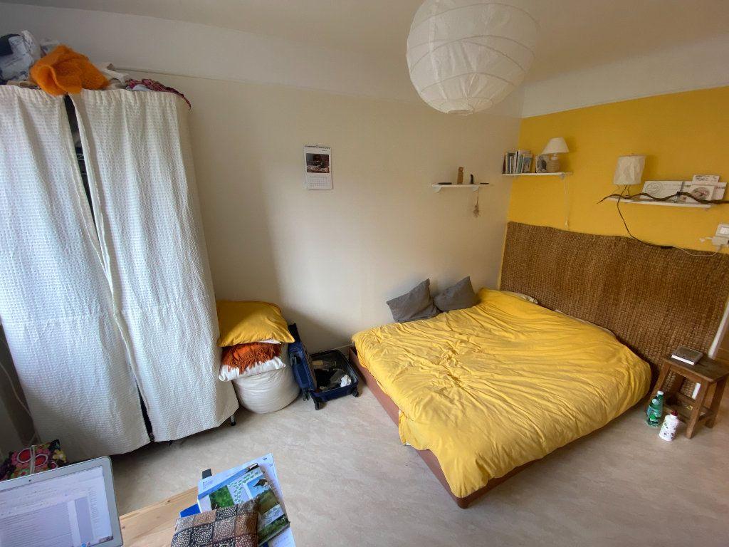 Appartement à louer 2 34m2 à Nancy vignette-2