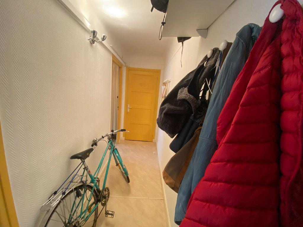Appartement à louer 2 34m2 à Nancy vignette-3
