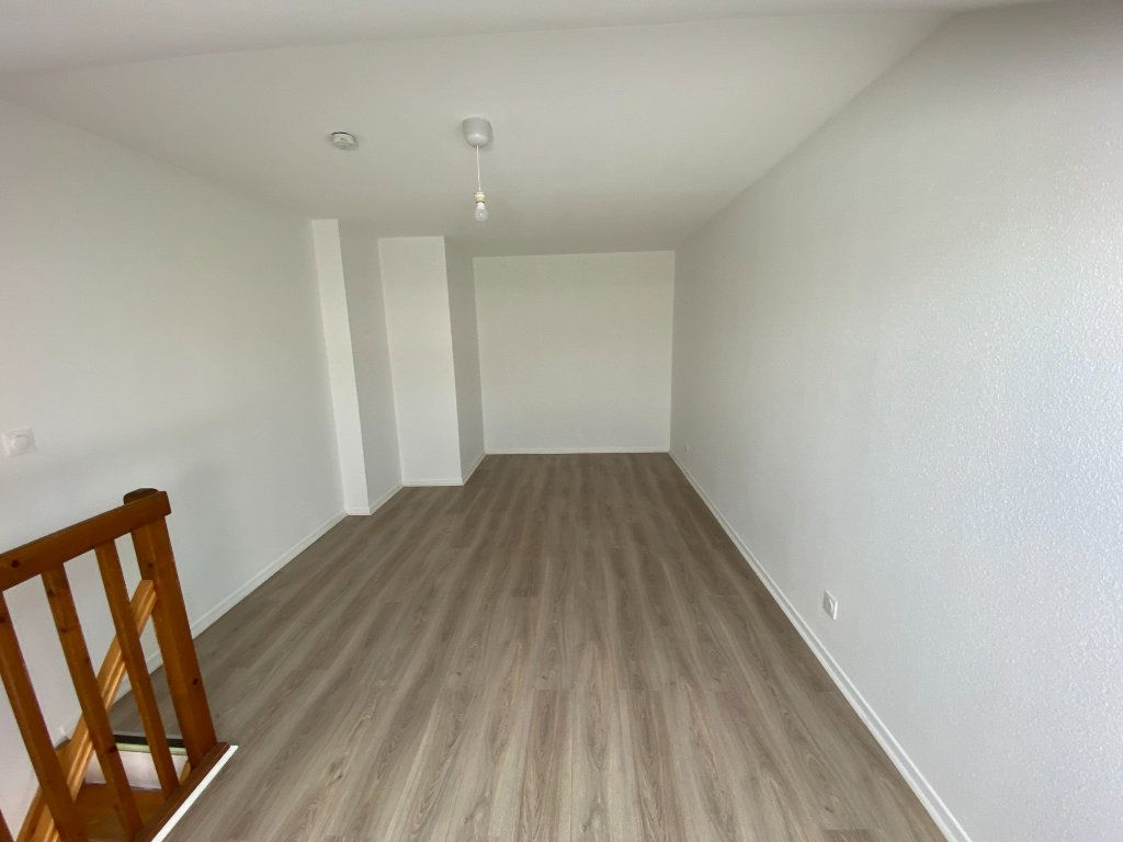 Appartement à louer 2 31m2 à Nancy vignette-4