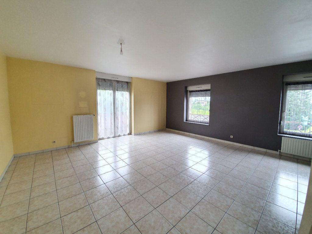 Appartement à louer 3 100m2 à Sainte-Marguerite vignette-1
