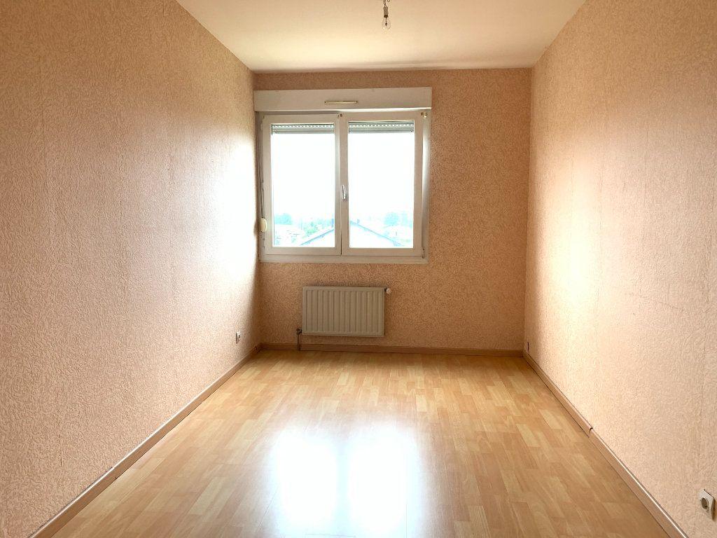 Appartement à louer 4 80m2 à Sainte-Marguerite vignette-3
