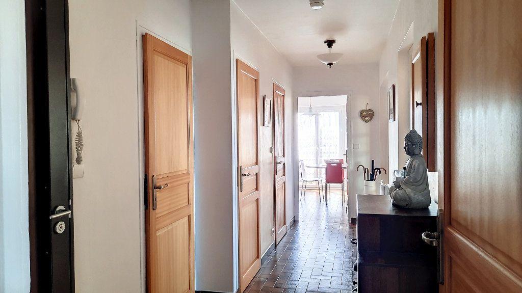 Appartement à vendre 4 93.29m2 à Thonon-les-Bains vignette-6