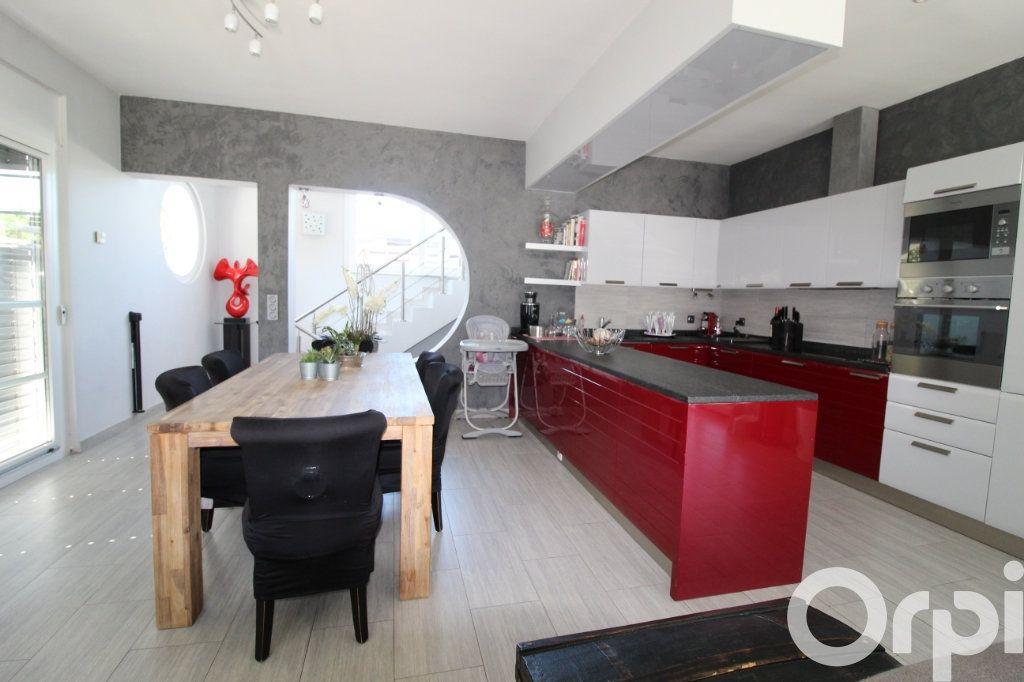 Maison à vendre 5 240m2 à Messery vignette-2