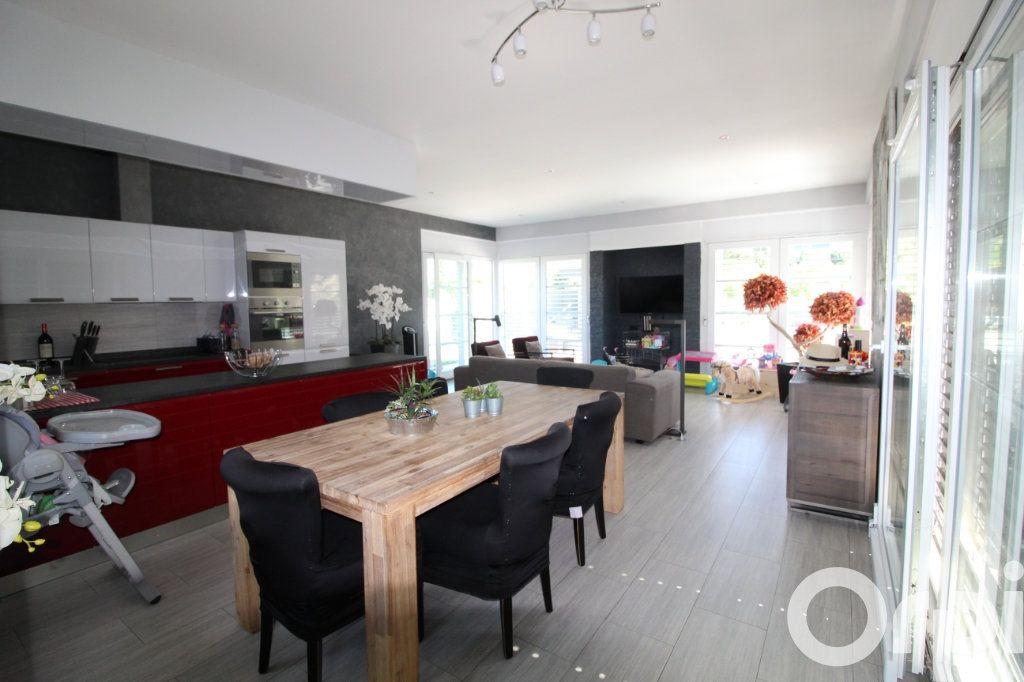 Maison à vendre 5 240m2 à Messery vignette-3