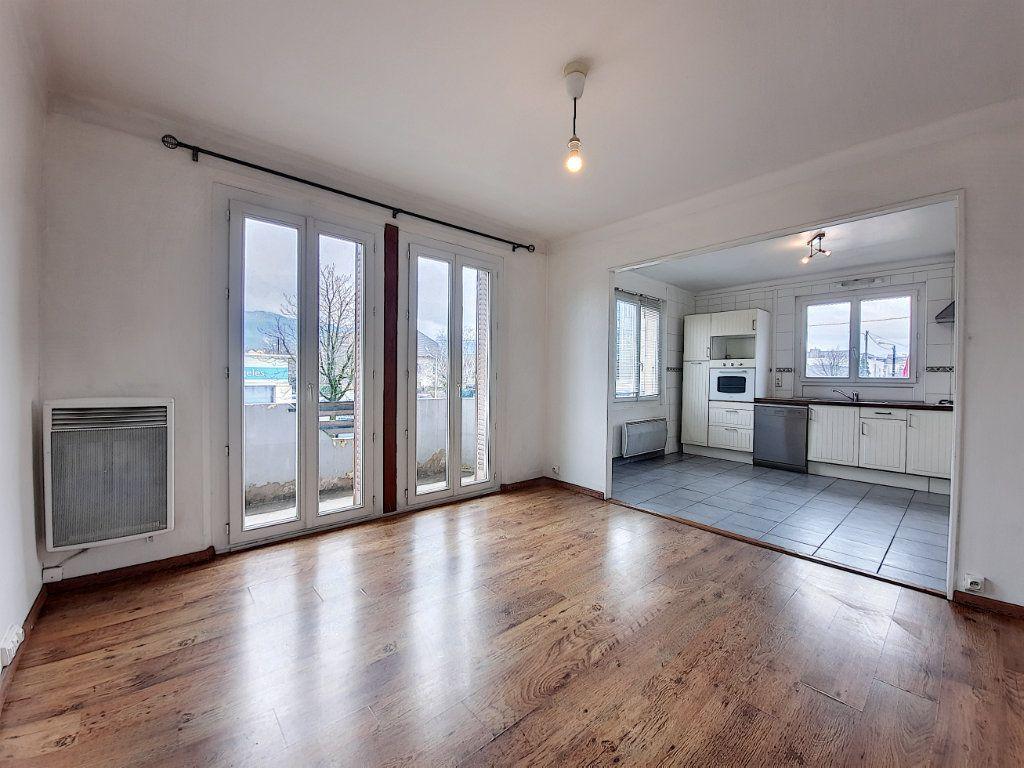 Appartement à vendre 3 63m2 à Thonon-les-Bains vignette-1