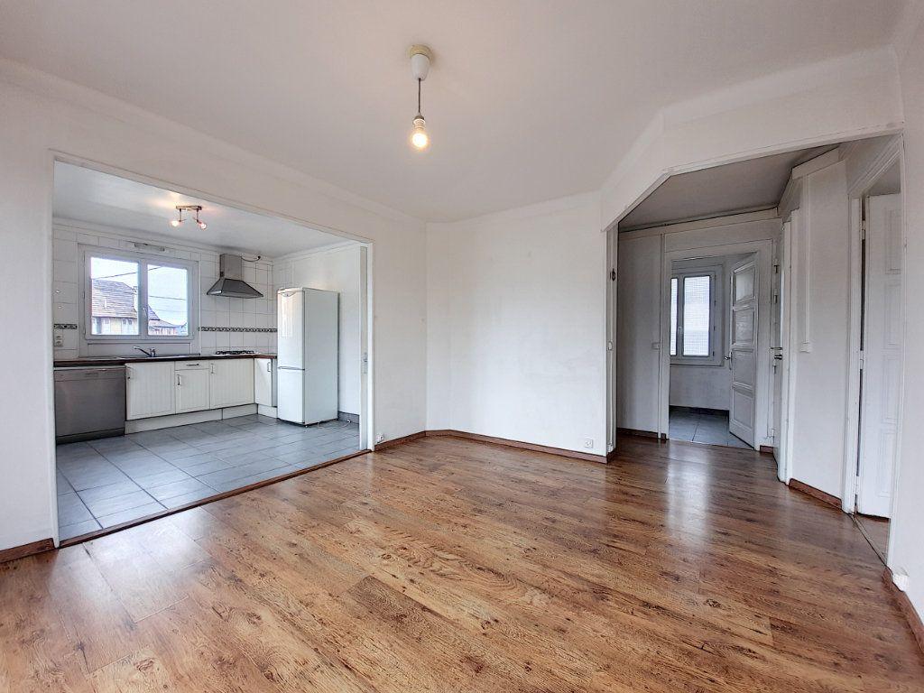 Appartement à vendre 3 63m2 à Thonon-les-Bains vignette-2