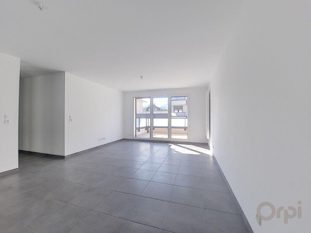 Appartement à vendre 4 81.21m2 à Anthy-sur-Léman vignette-2