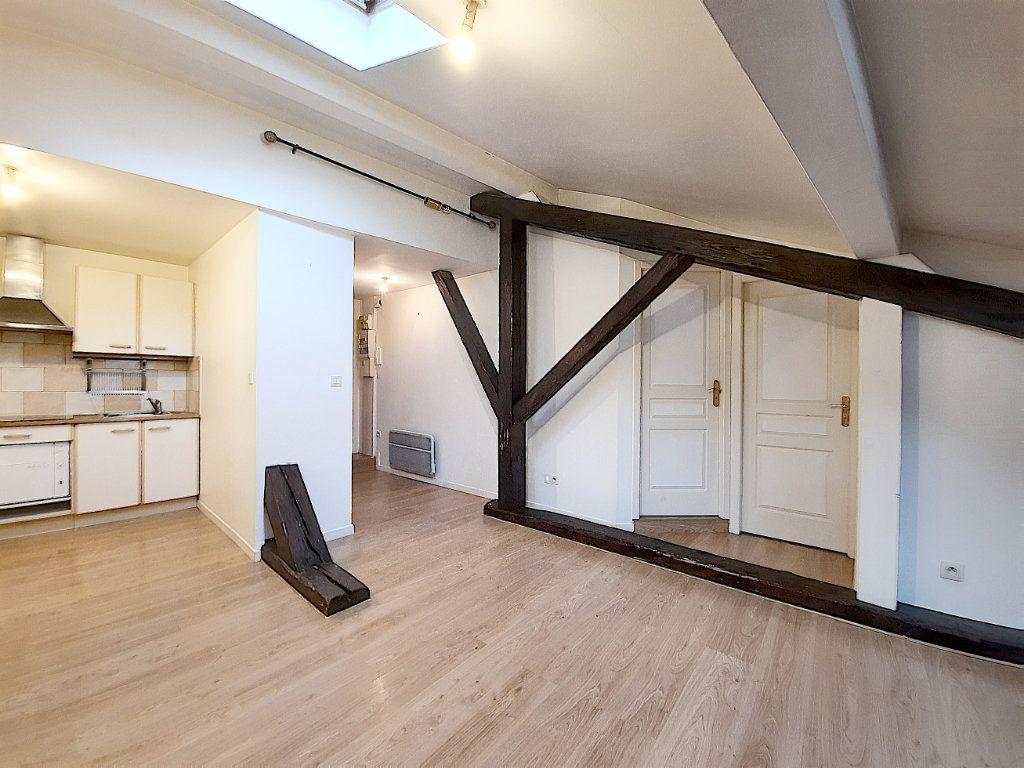 Appartement à vendre 2 28m2 à Thonon-les-Bains vignette-4