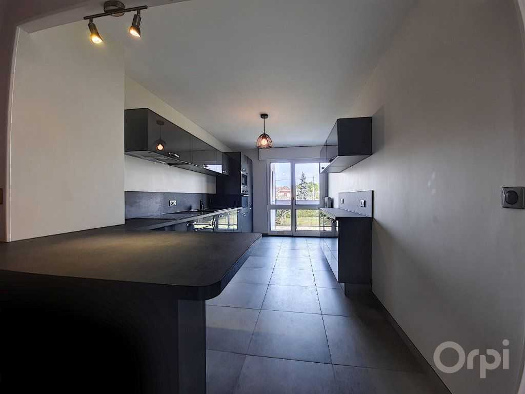Appartement à vendre 3 70m2 à Thonon-les-Bains vignette-2