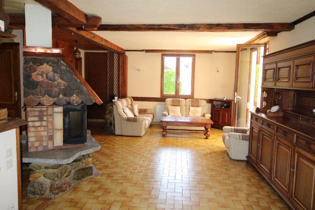 Maison à vendre 5 183m2 à Saint-Gingolph vignette-4