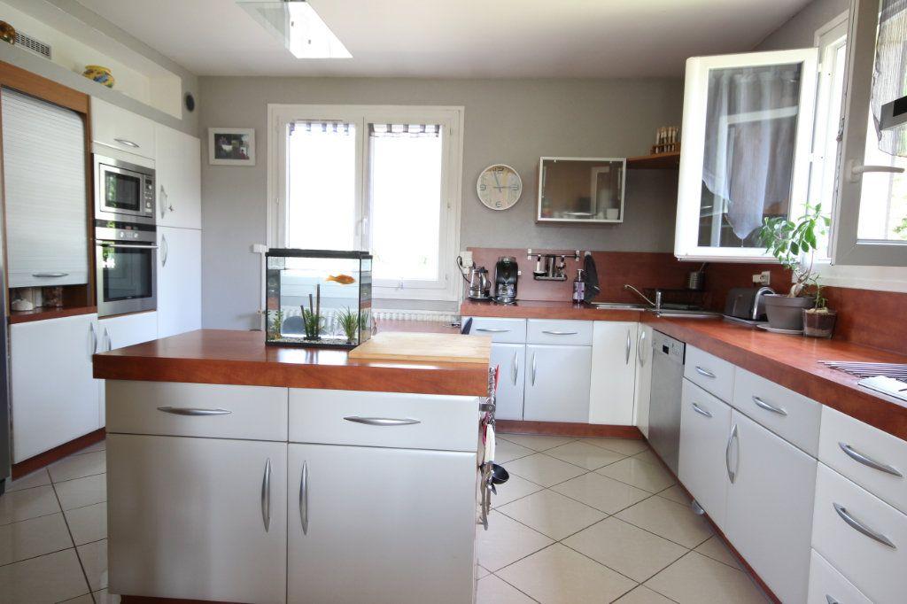 Maison à vendre 8 169m2 à Serres-Castet vignette-3