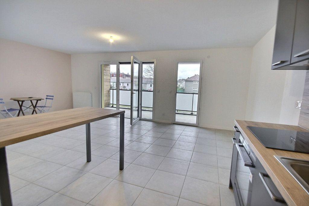 Appartement à louer 3 0m2 à Pau vignette-1