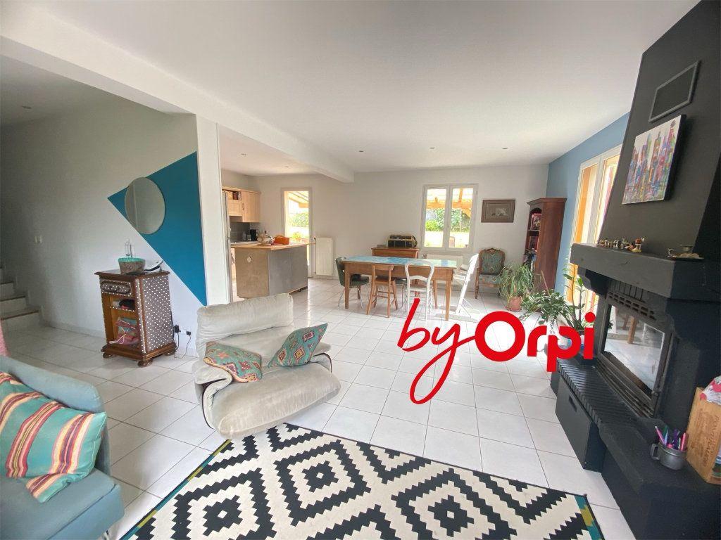 Maison à vendre 5 115m2 à Saint-Pierre-d'Allevard vignette-3