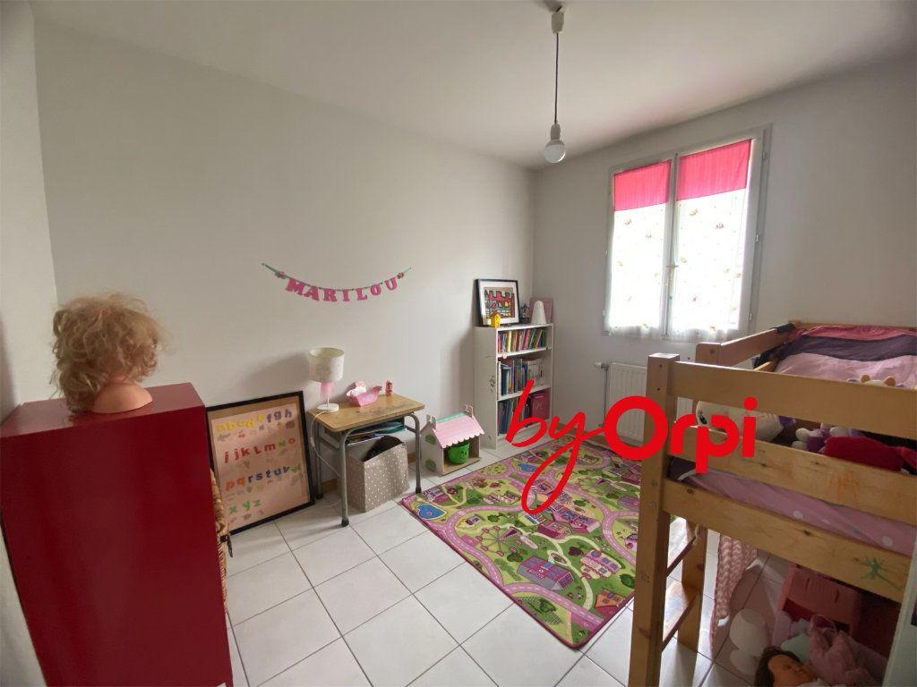 Maison à vendre 5 115m2 à Saint-Pierre-d'Allevard vignette-11
