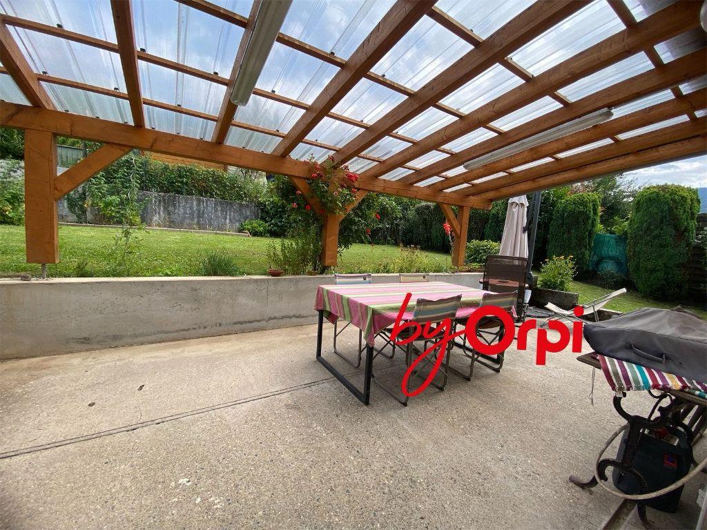 Maison à vendre 5 115m2 à Saint-Pierre-d'Allevard vignette-12