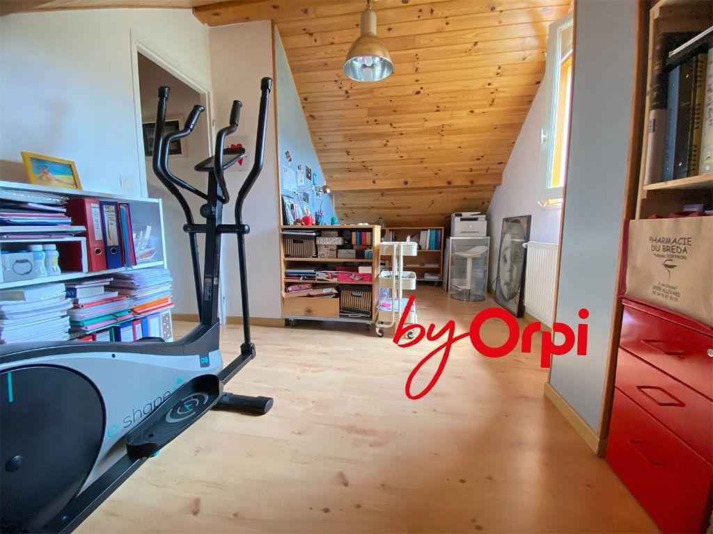 Maison à vendre 5 115m2 à Saint-Pierre-d'Allevard vignette-14