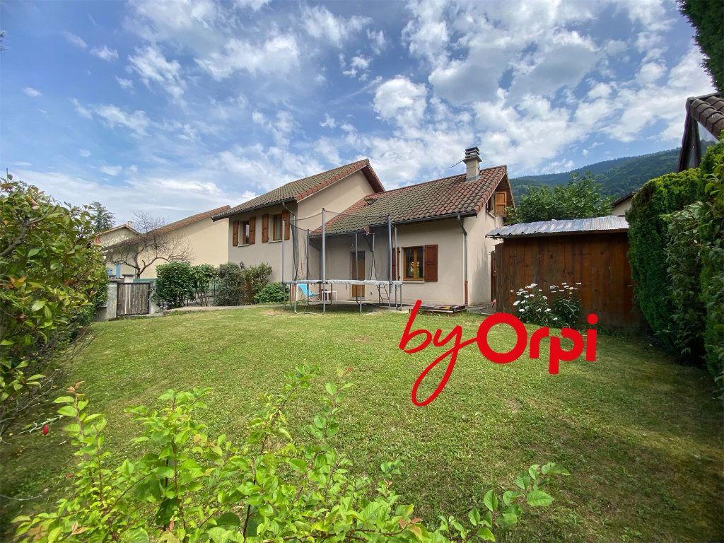 Maison à vendre 5 115m2 à Saint-Pierre-d'Allevard vignette-16