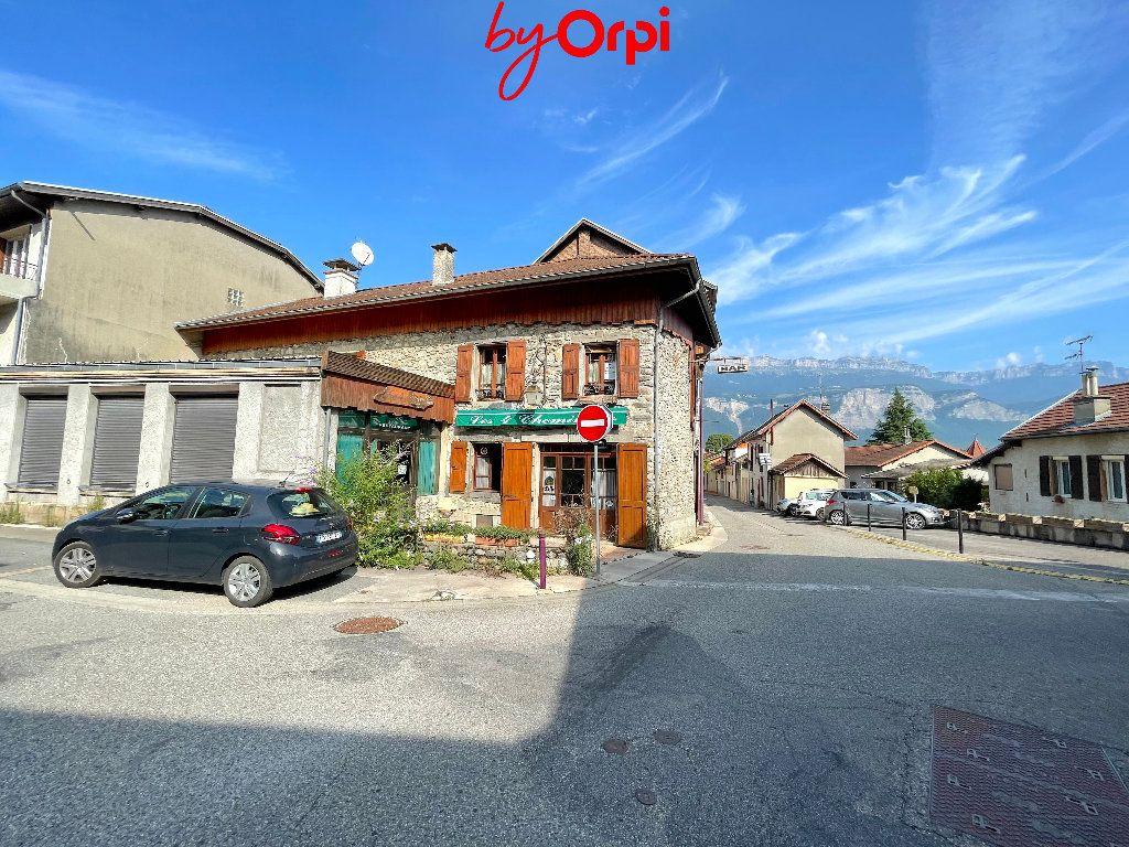 Maison à vendre 7 221.65m2 à Froges vignette-4