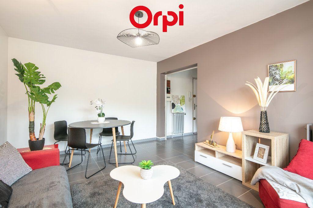Appartement à vendre 3 59.54m2 à Saint-Martin-d'Hères vignette-2