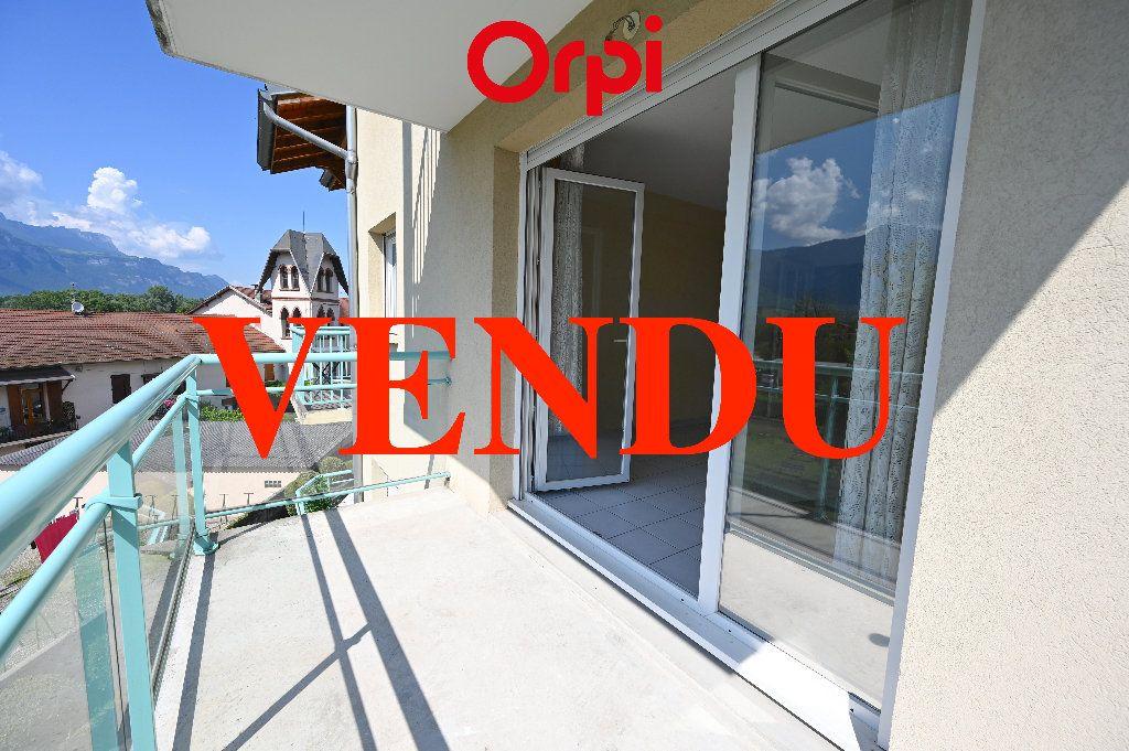 Appartement à vendre 3 65.87m2 à Villard-Bonnot vignette-1
