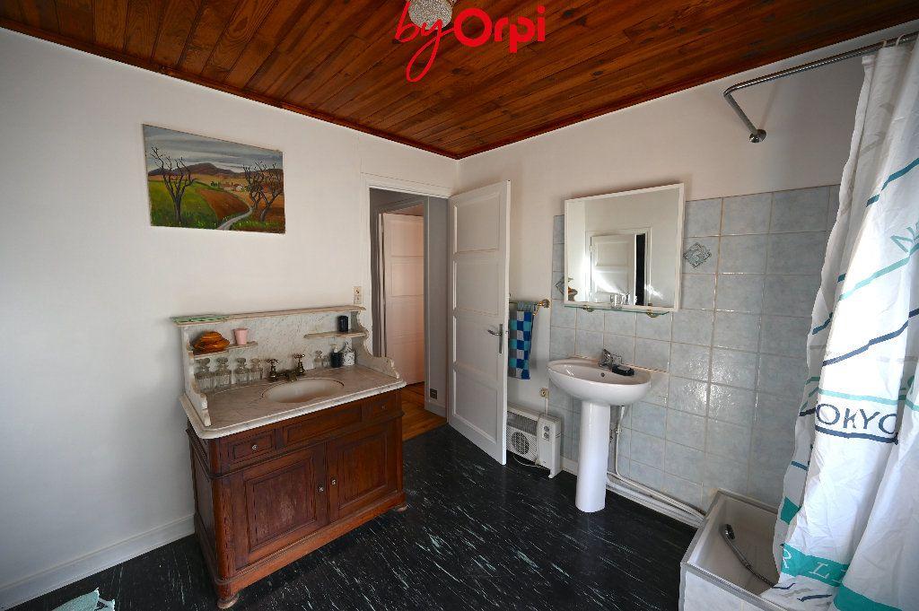 Maison à vendre 6 132.73m2 à Saint-Mury-Monteymond vignette-8