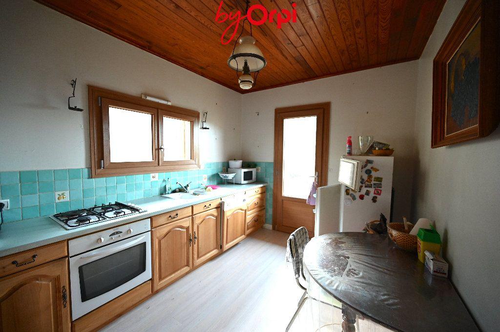 Maison à vendre 6 132.73m2 à Saint-Mury-Monteymond vignette-16