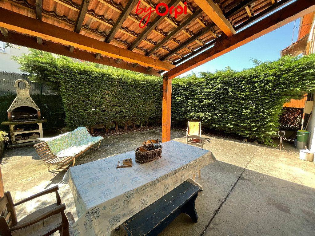 Maison à vendre 6 162.45m2 à Villard-Bonnot vignette-4
