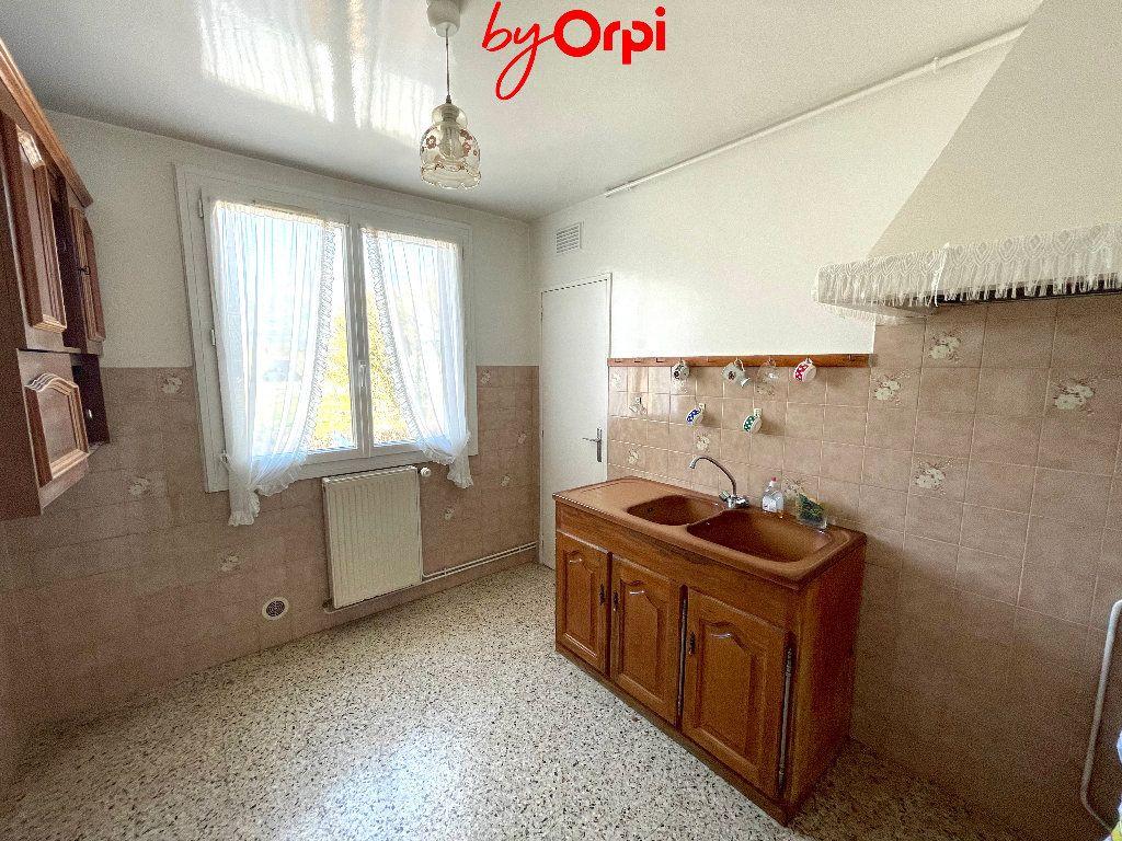 Appartement à vendre 4 66.24m2 à Saint-Martin-d'Hères vignette-4