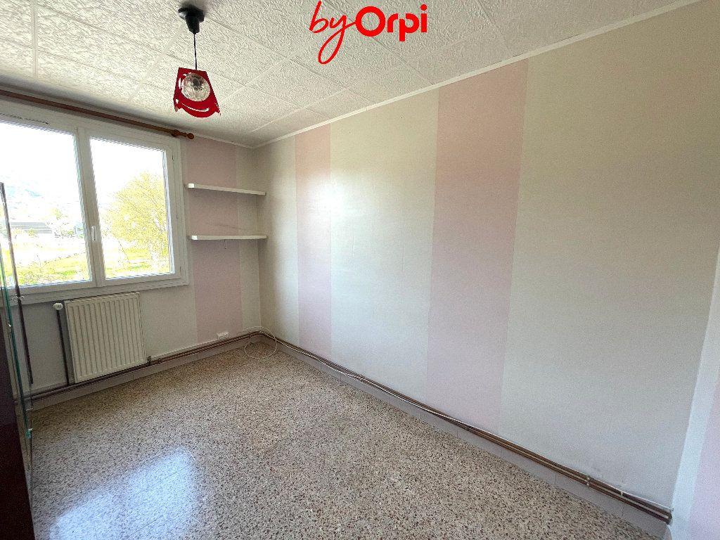 Appartement à vendre 4 66.24m2 à Saint-Martin-d'Hères vignette-9