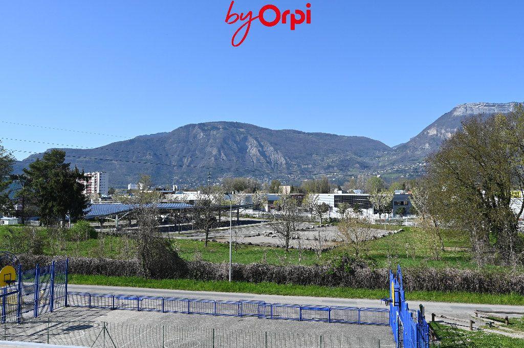 Appartement à vendre 4 66.24m2 à Saint-Martin-d'Hères vignette-10
