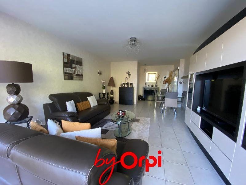 Appartement à vendre 3 72m2 à Seyssins vignette-2