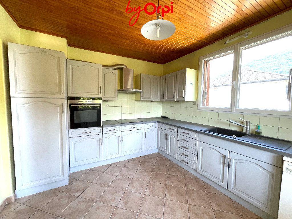 Maison à vendre 8 165m2 à Villard-Bonnot vignette-5
