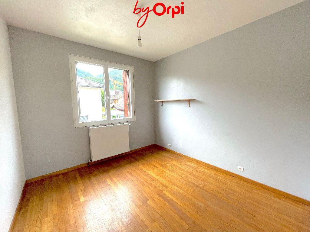Maison à vendre 8 165m2 à Villard-Bonnot vignette-9