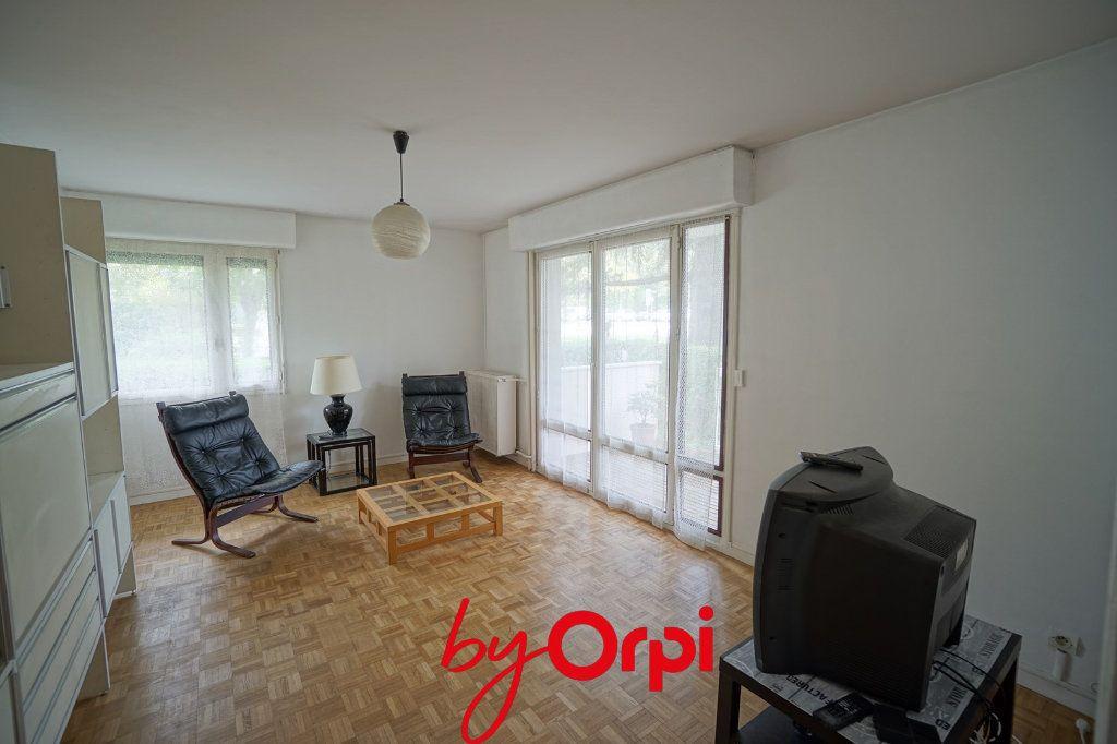 Appartement à louer 3 63.46m2 à Meylan vignette-2