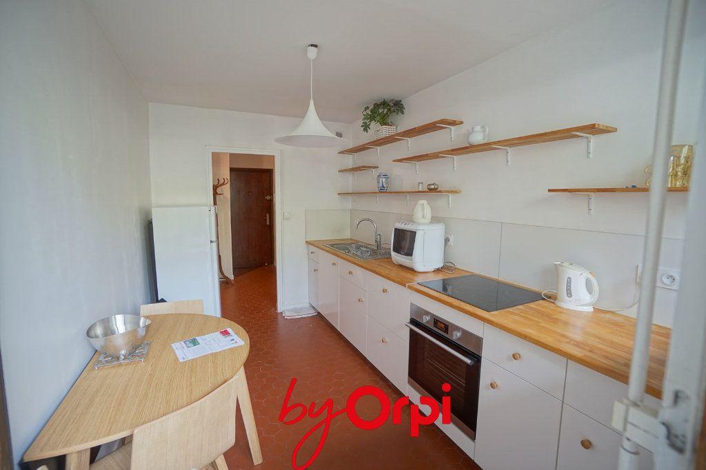 Appartement à louer 3 63.46m2 à Meylan vignette-3