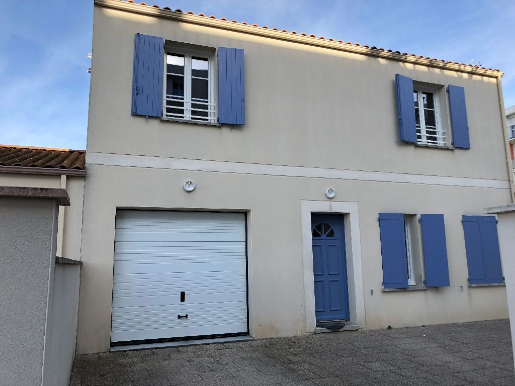 Maison à vendre 6 147.55m2 à Rochefort vignette-6