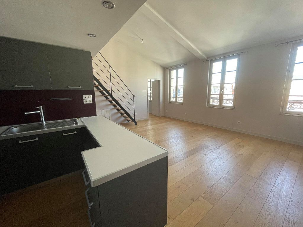 Appartement à vendre 3 66m2 à Rochefort vignette-2