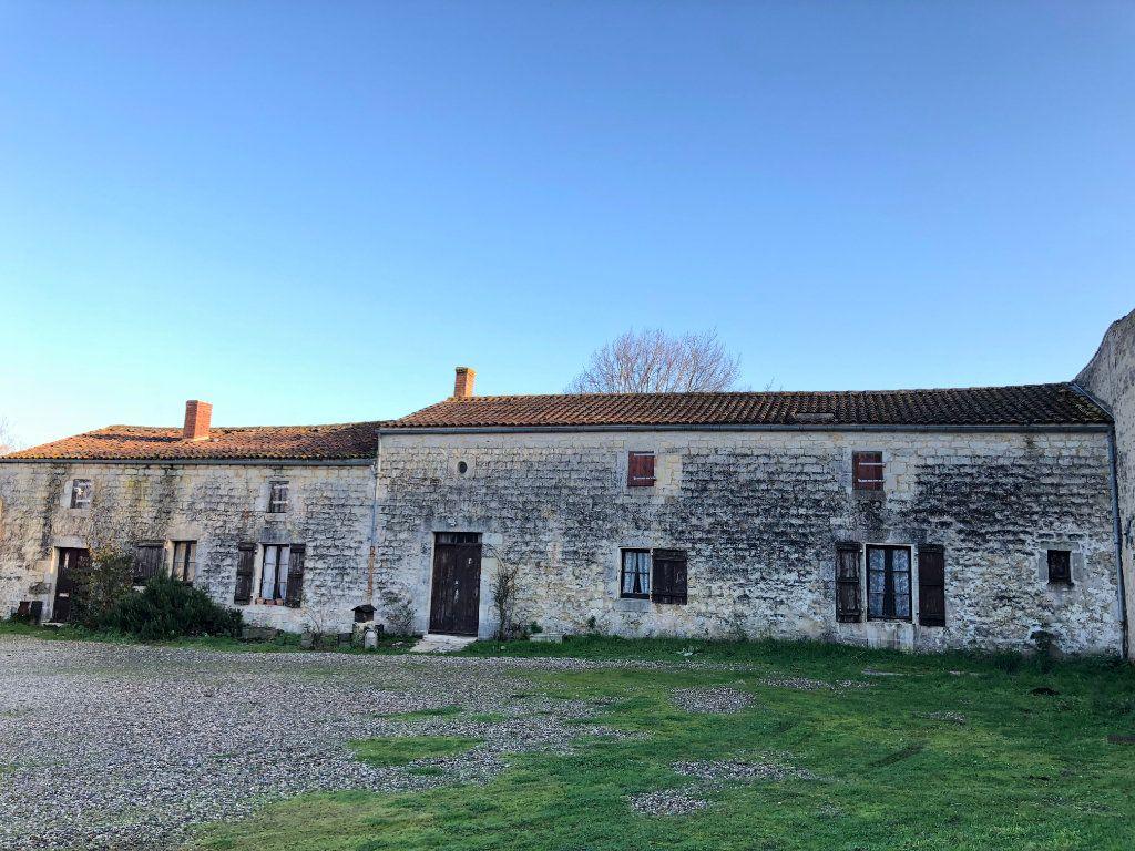 Maison à vendre 9 230m2 à Rochefort vignette-1
