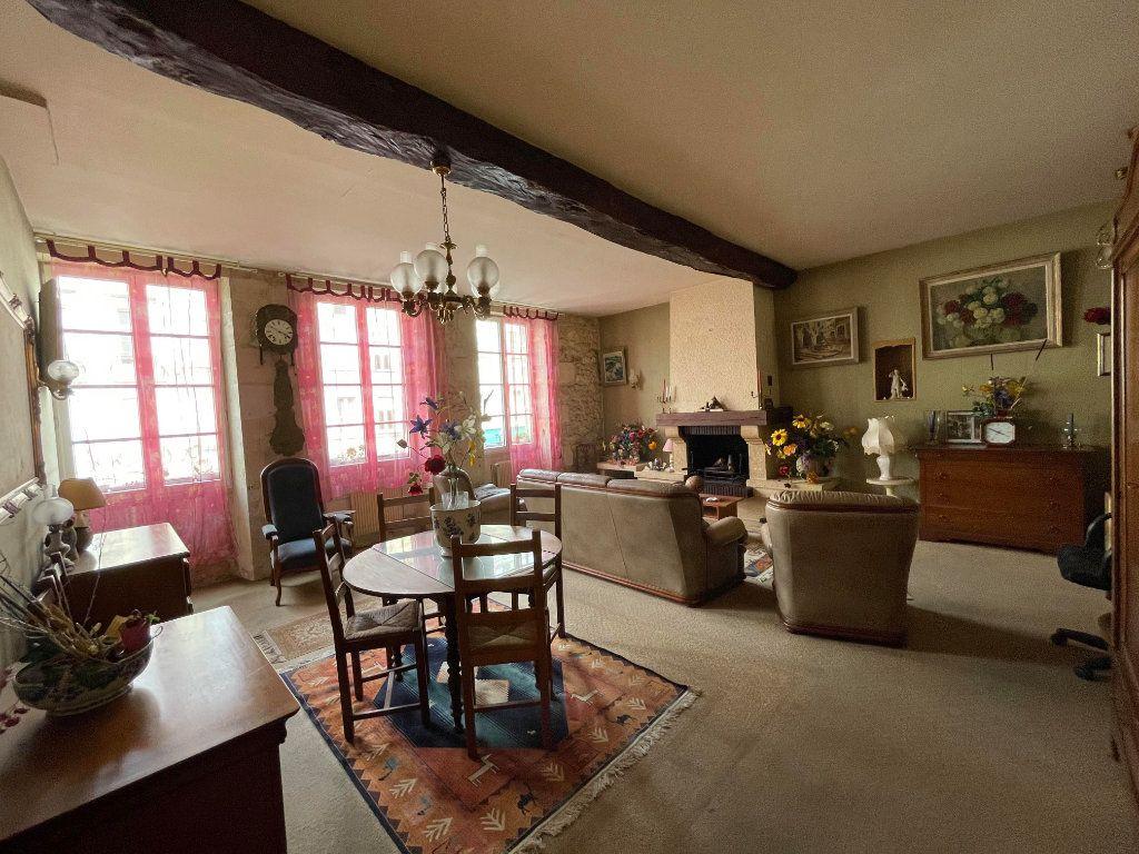 Maison à vendre 9 345m2 à Rochefort vignette-4
