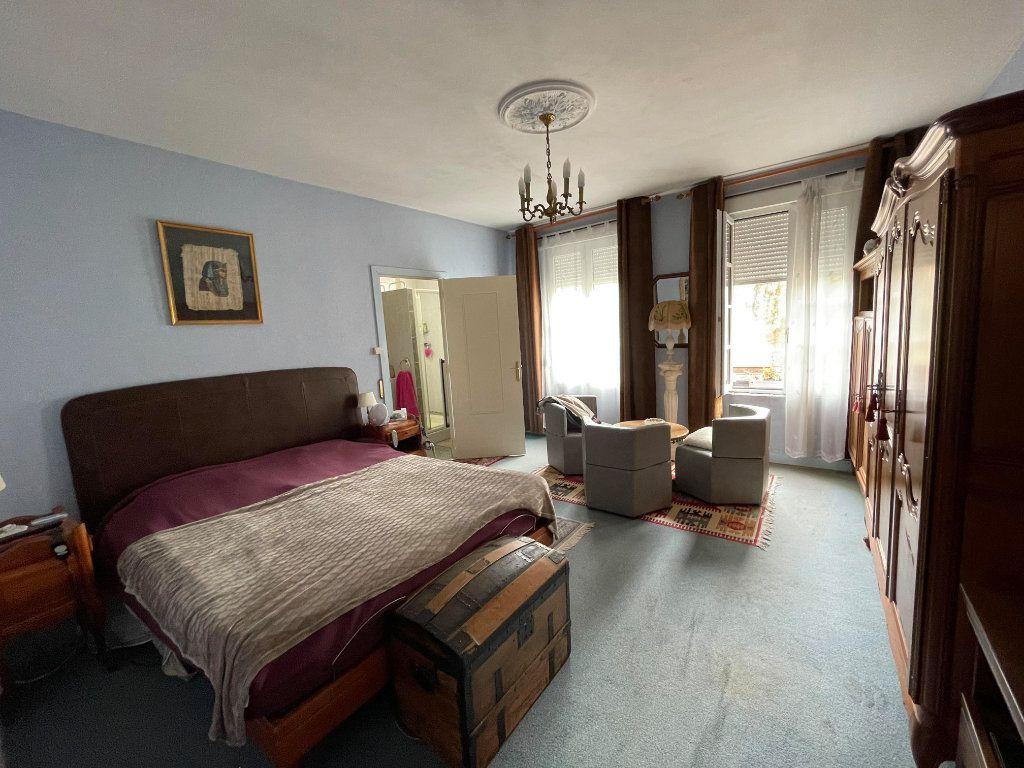 Maison à vendre 9 345m2 à Rochefort vignette-6