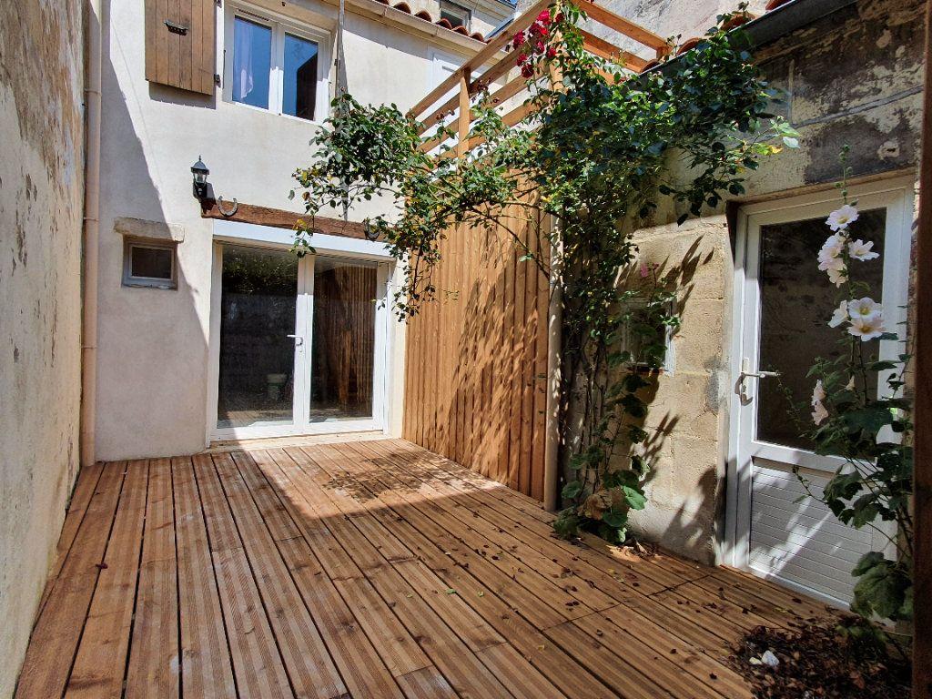 Maison à vendre 3 66m2 à Rochefort vignette-1