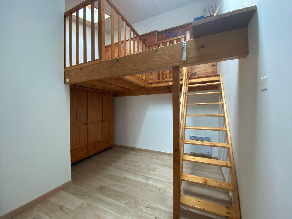 Maison à vendre 3 66m2 à Rochefort vignette-2
