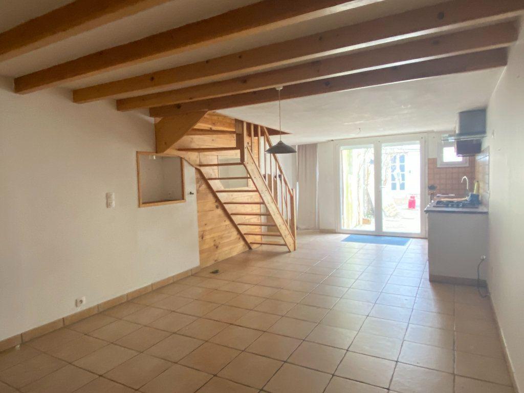 Maison à vendre 3 66m2 à Rochefort vignette-3