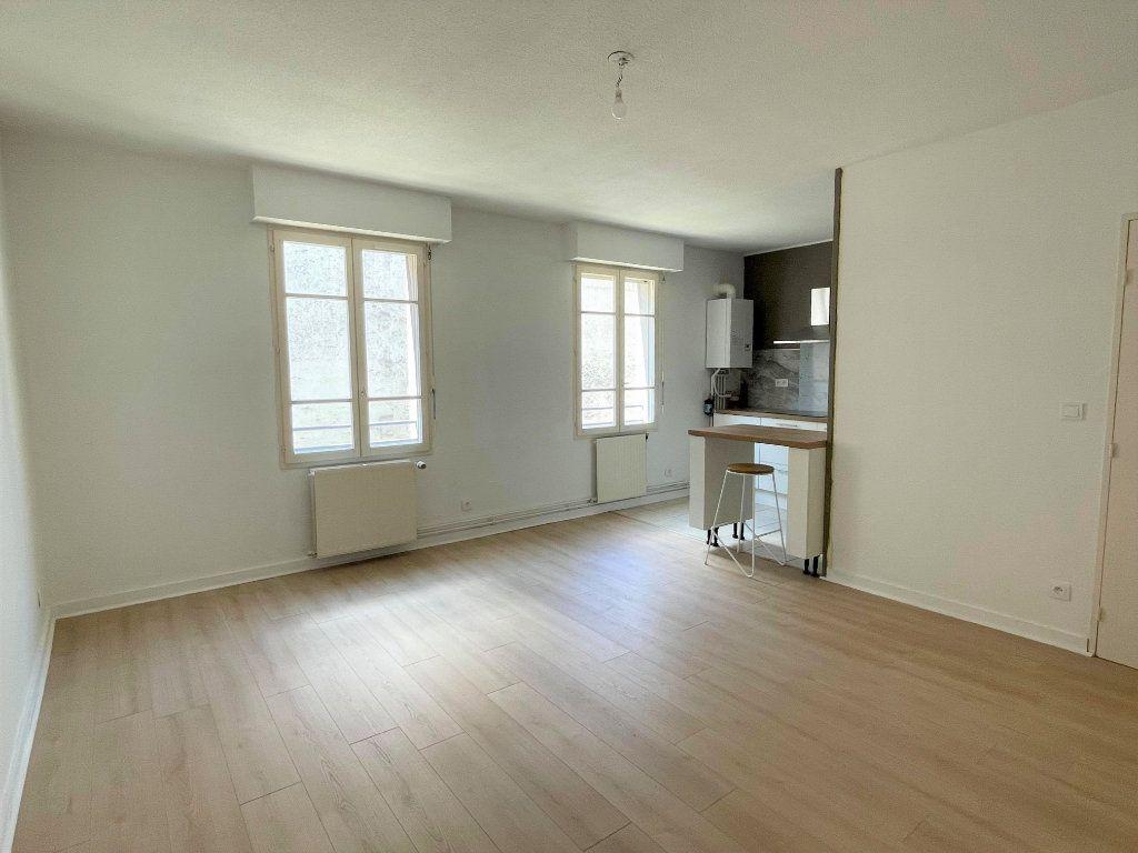 Appartement à vendre 3 63.25m2 à Rochefort vignette-2